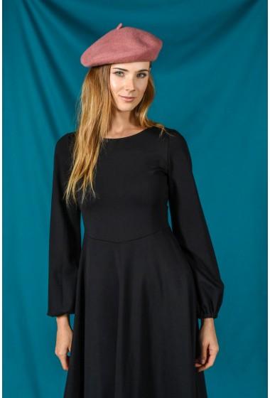 Krótka sukienka z długim...