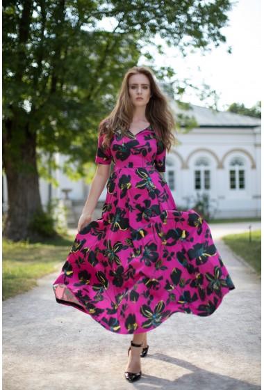 Sukienka z rękawem...
